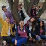 groupe sous un arbre